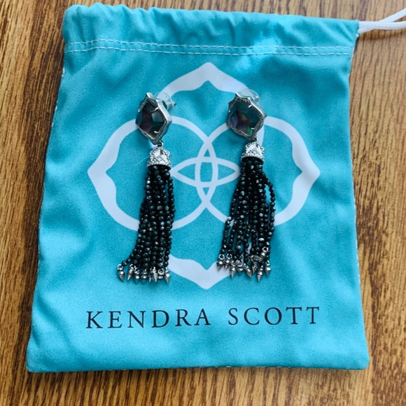 EUC Kendra Scott Mish earrings